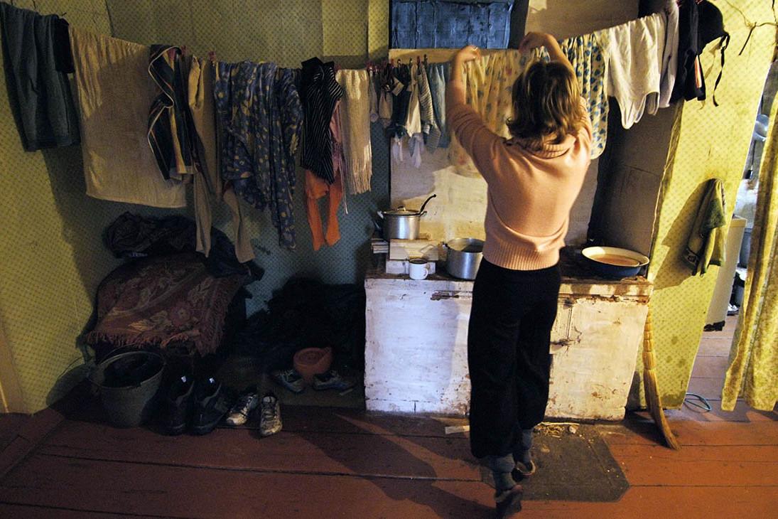 МИНТРУД: РОССИЯНКИ НЕ РОЖАЮТ ИЗ-ЗА НИЗКИХ ДОХОДОВ