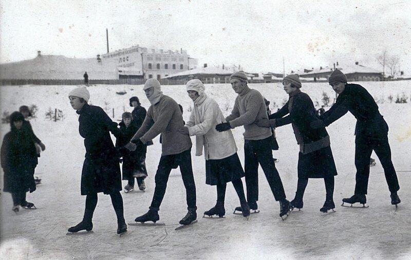 1928. Традиционный каток на льду Оми история, ретро, фото