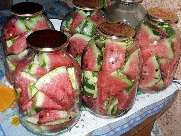 Рецепты вкусных маринованных арбузов в банках на зиму