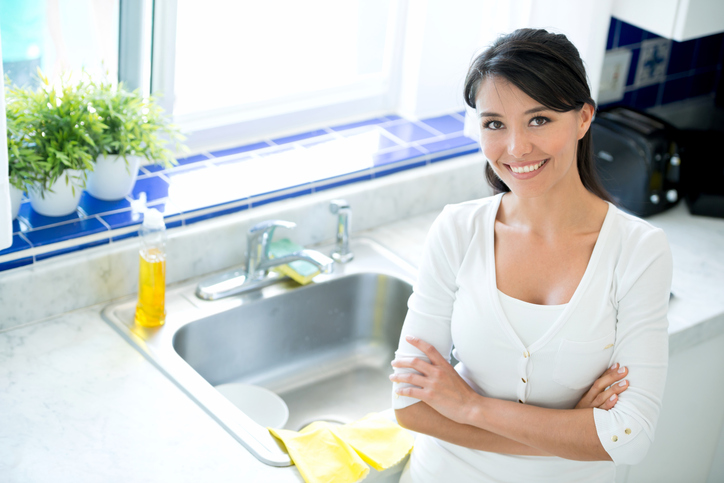 Невозможно отмыть? Ошибаетесь! Как справляться с жирным налетом на кухне
