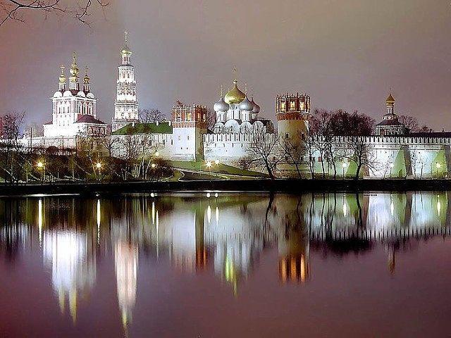 Новодевичий монастырь на зак…