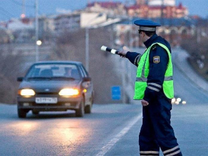 Гаишник хотел поскорее оштрафовать мужчину