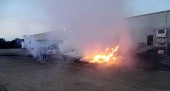 Самовоспламеняющиеся чипсы пришлось утопить после второго пожара на заводе США