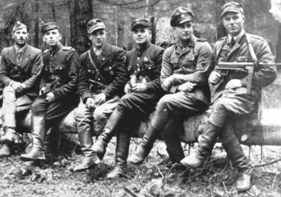 Бандеровцы против мельниковцев: почему украинские националисты убивали друг друга