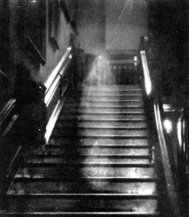 Не верите в призраков? Эти 10 фотографий заставят вас передумать мистика