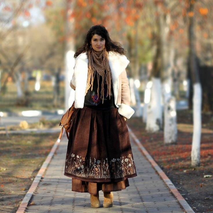 Пышная юбка из теплой ткани – хороший вариант для образов в стиле бохо. /Фото: i.pinimg.com