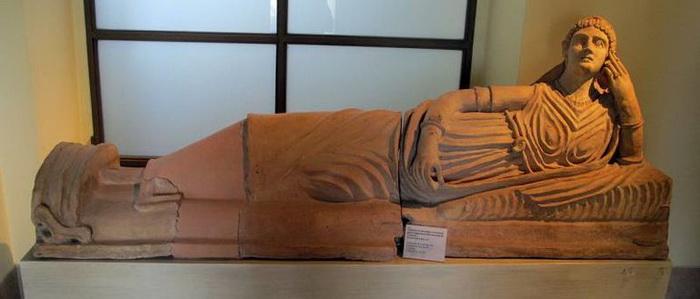 Этрусский саркофаг