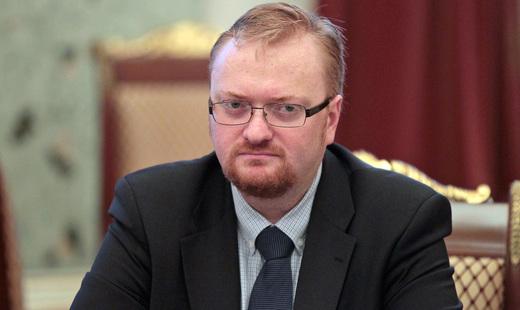 Милонов предлагает ввести обязательное постное меню в самолётах