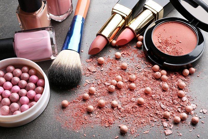 5 простых лайфхаков, чтобы макияж держался весь день!