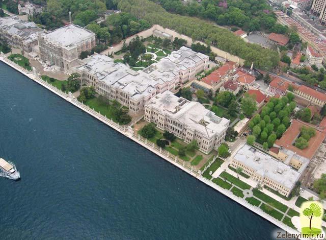 Дворец турецского султана «Долмабахче» в Стамбуле, Турция дворец, Долмабахче, дворца, части, просто, находится, можно, здесь, именно, султанов, гарем, Стамбуле, строительства, люстра, посмотрим, султана, жителей, кухни, отделены, основной