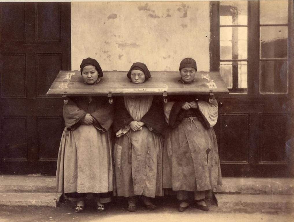 Как раньше наказывали женщин