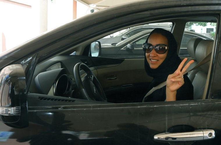 Вождение автомобиля в мире, женщина, закон, запрет, люди, саудовская аравия