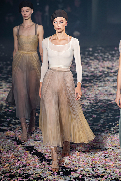 Тренд сезона: юбки плиссе (фото 4)