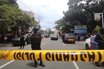 Взрыв прогремел у церкви в Индонезии Мир