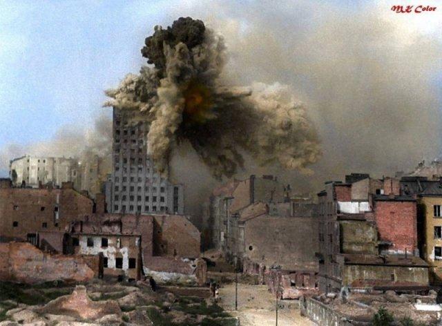 Варшавское восстание, 28 августа 1944. По городу работает немецкая самоходная мортира Karl-Gerät 040 история, люди, мир, фото