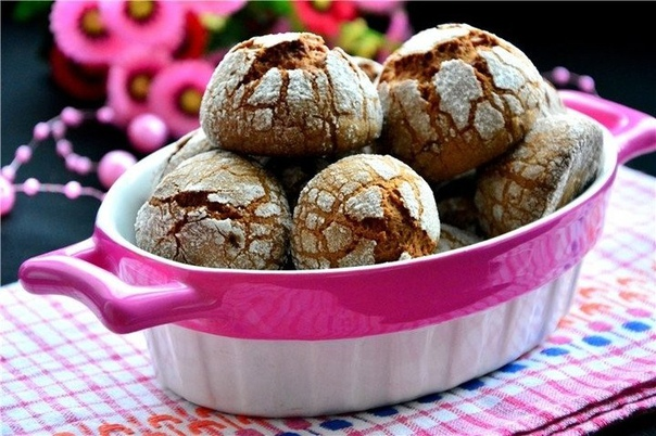 Шоколадное печенье с кракелюром