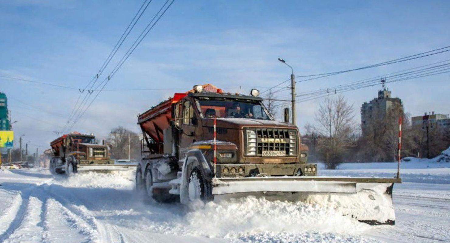 На дорогах Миасса со снегом борются «Уралы» Автомобили
