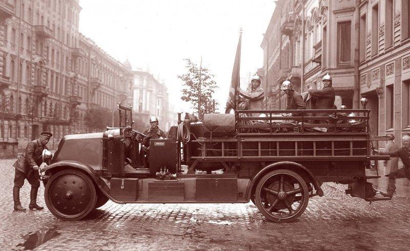 17 апреля 2018 года - 100 лет советской пожарной охране! Пожарная охрана, авто, история, мчс, пожарные, пожарный автомобиль, ретро фото, факты