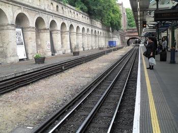 Движение поездов в Париже было остановлено из-за родов пассажирки