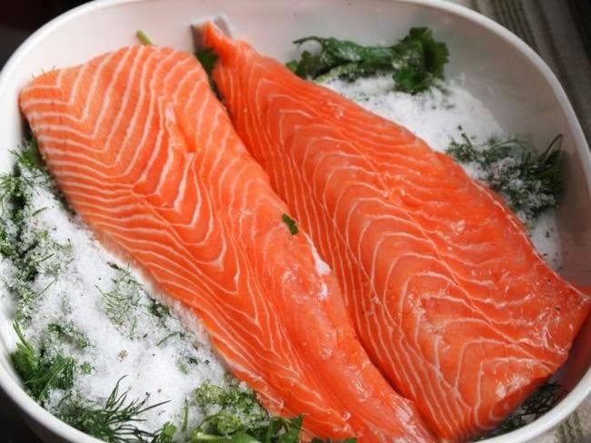 Ресторанный засол рыбы лосос…