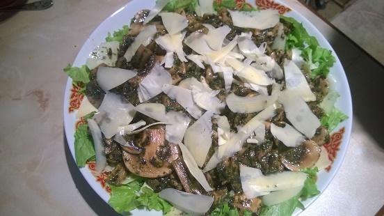 Салат из шампиньонов,почти Маришкин)))
