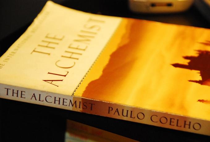 5 жизнеутверждающих уроков из «Алхимика» (Пауло Коэльо)