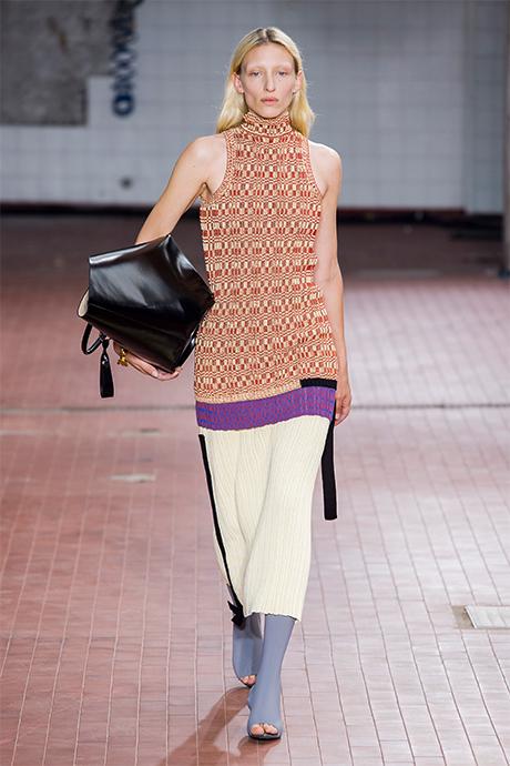 Тренд сезона: юбки плиссе (фото 7)