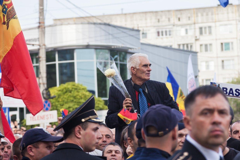 Зачем парламент Молдавии признал страну «захваченным государством»
