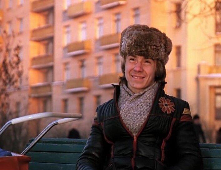 Студент-практикант Вова из «Афони». Попал из ПТУ в актеры и не пережил 90-е