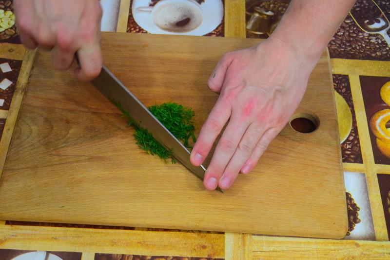 Пока печется картофель можно приготовить соус, опять же укроп мелко нарезаем Айдахо, видео, еда, картофель в духовке, своими руками
