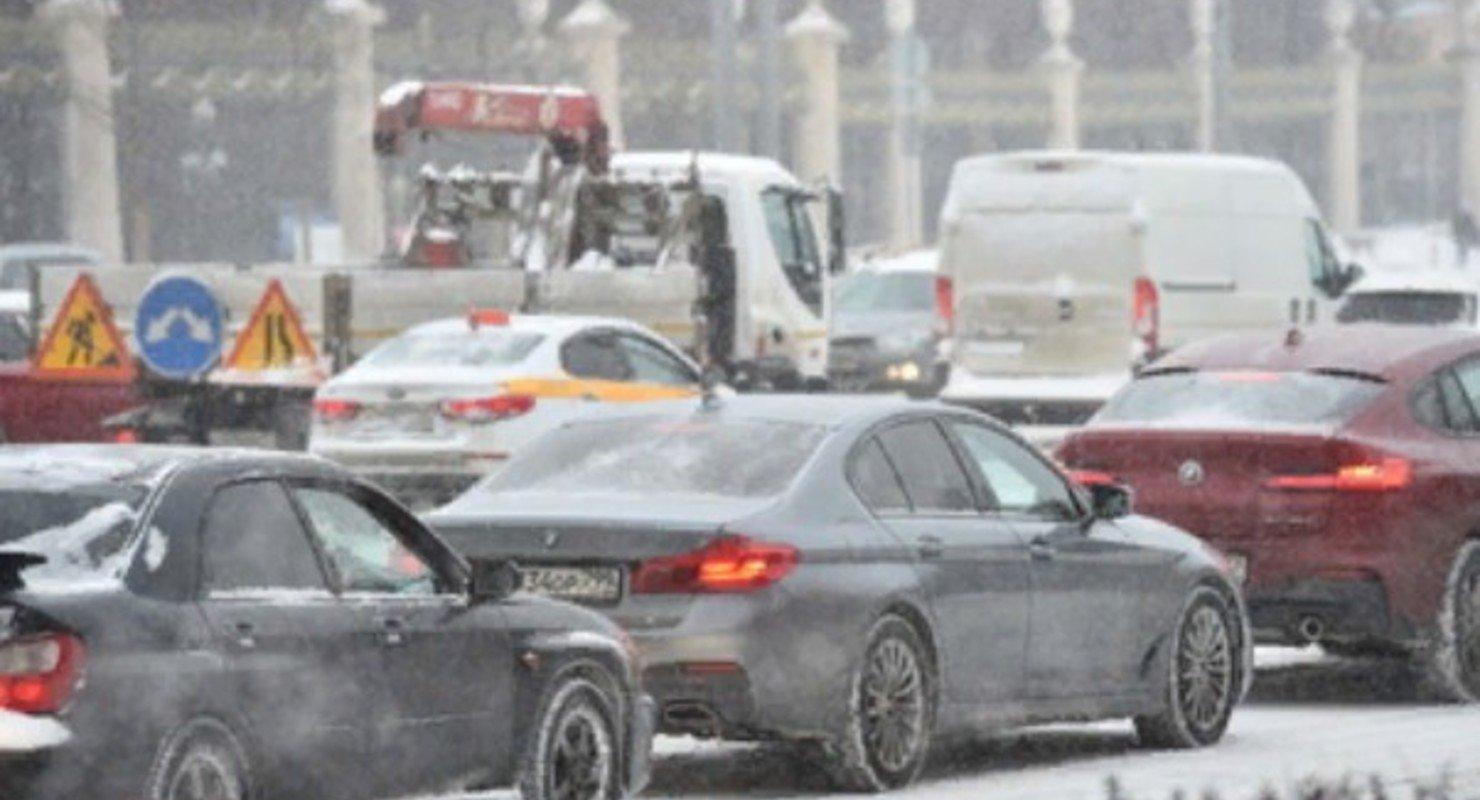 На дорогах Москвы образовались 8‑балльные «пробки» Автограмота