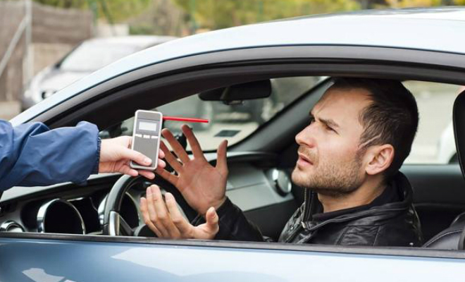 Ошибки водителей, которые совершает почти каждый, когда ГАИ просит «подуть в трубочку» Культура