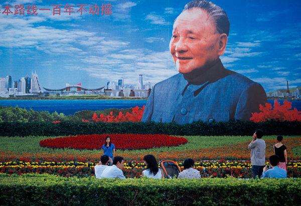 До 10000 погибших: что 4 июня произошло на площади Тяньаньмэнь?