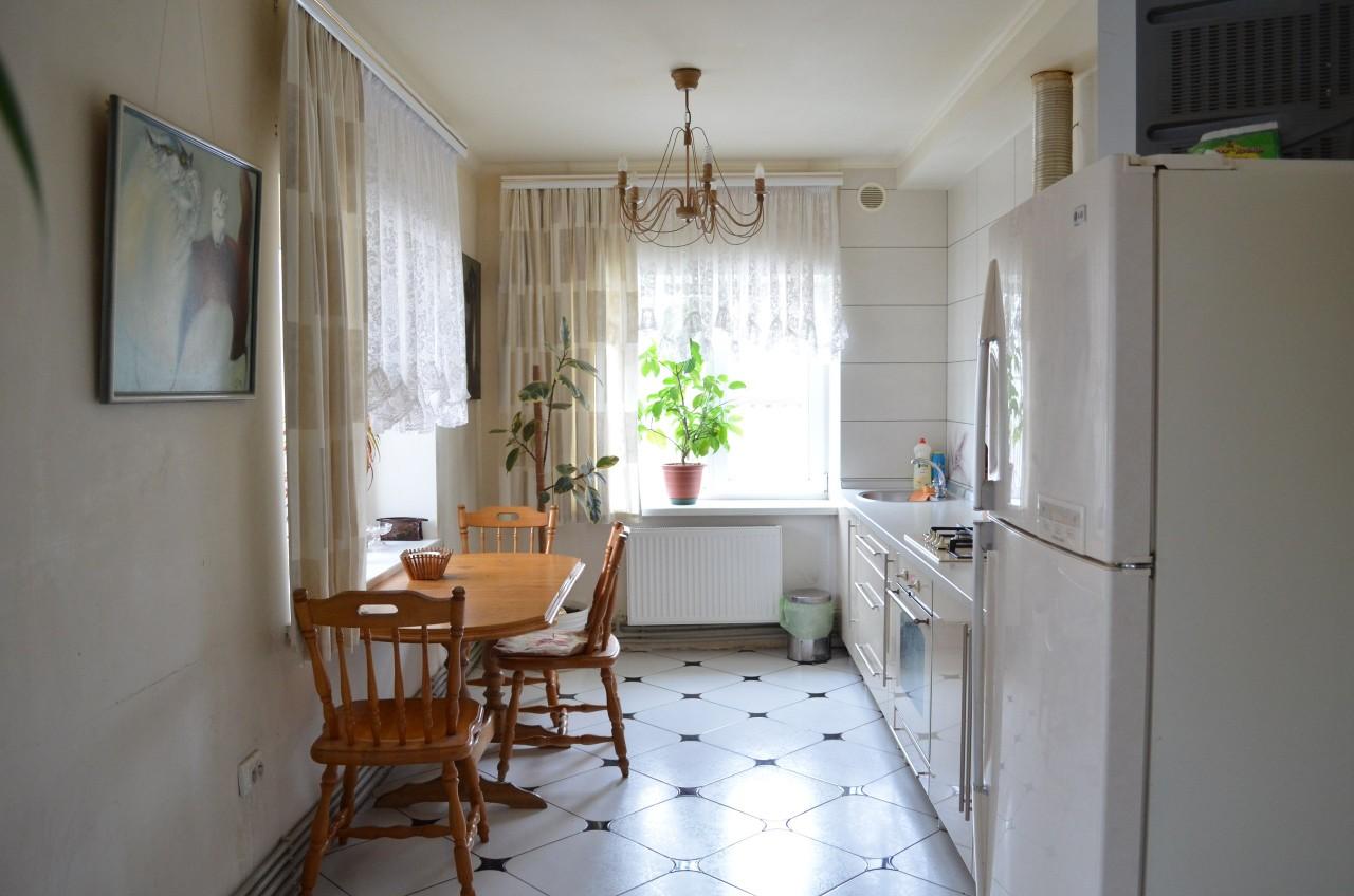 Как мы сделали красивую уютную кухню в полуразваленном доме