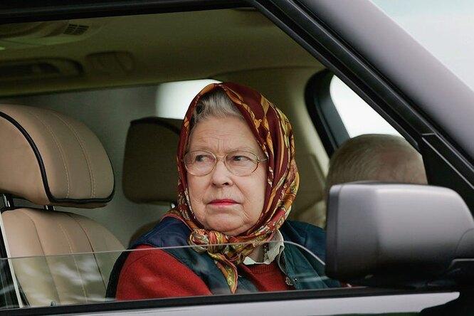 Почему британская королева никогда не пристегивается автомобили,водители