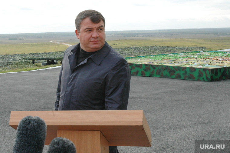 Политолог: Сердюков может возглавить Ростех
