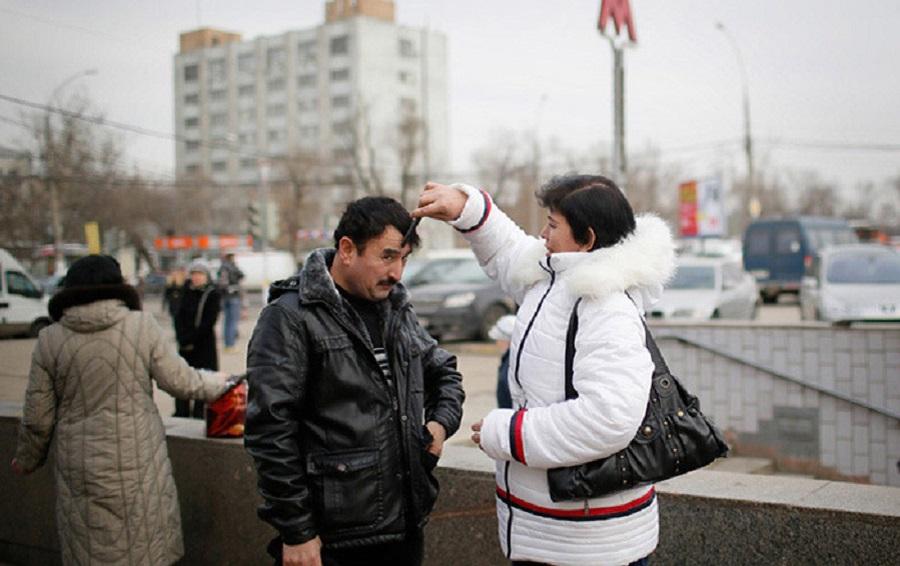 russkaya-devushka-i-tadzhik-foto-puhlie-v-sperma-v-zhope-foto