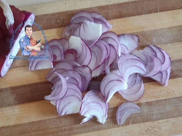 Салат с виноградом и копченой курицей