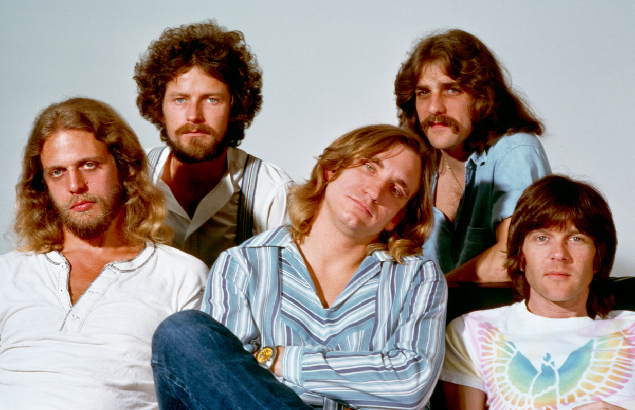 Eagles latest album sucks