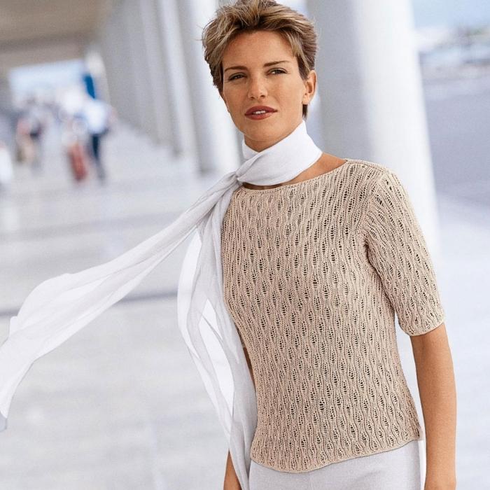 Пуловер с благородным узором из спущенных петель