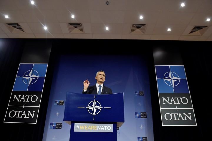 Столтенберг призвал страны НАТО пересмотреть подход к России