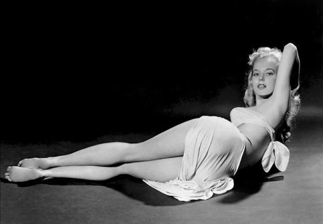 Betty Brosmer королева пин-апа 50-х история, люди, мир, фото