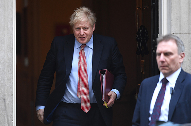 Заразившегося коронавирусом премьер-министра Великобритании Бориса Джонсона перевели в реанимацию Джонсона, госпитализация, воскресенье, премьерминистра, Великобритании, интенсивной, терапии, министра, Борис, Джонсон, десять, самоизоляции, спустя, Однако, Пресссекретарь, решение, принял, коронавирусом, заразился, рассказал