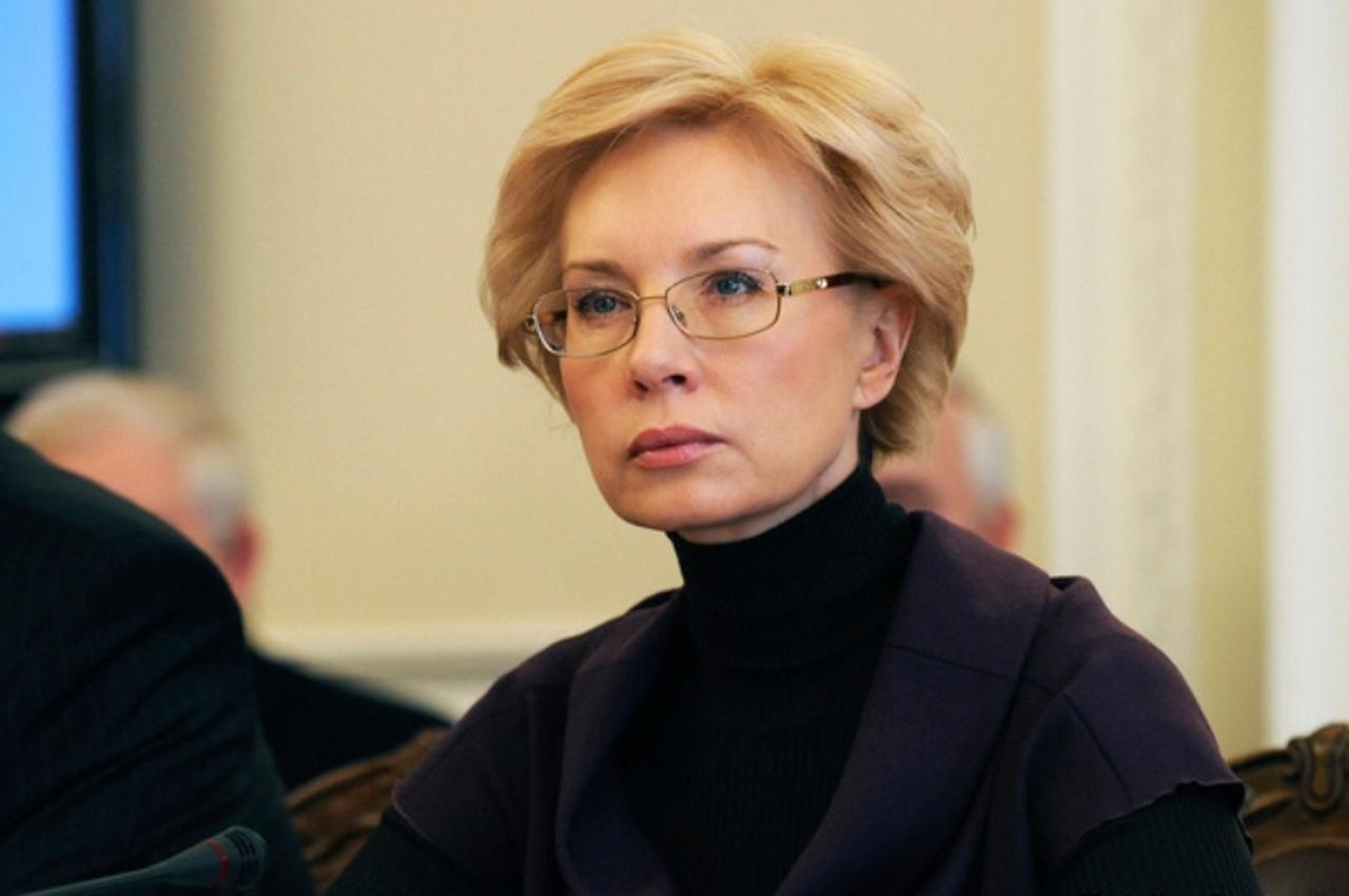 Александр Роджерс: Зачем пани Денисова носит очки?