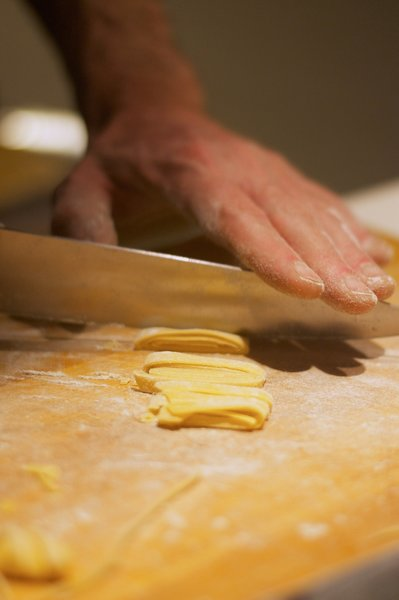 Бабушкин рецепт домашней яичной лапшы: минимум ингредиентов