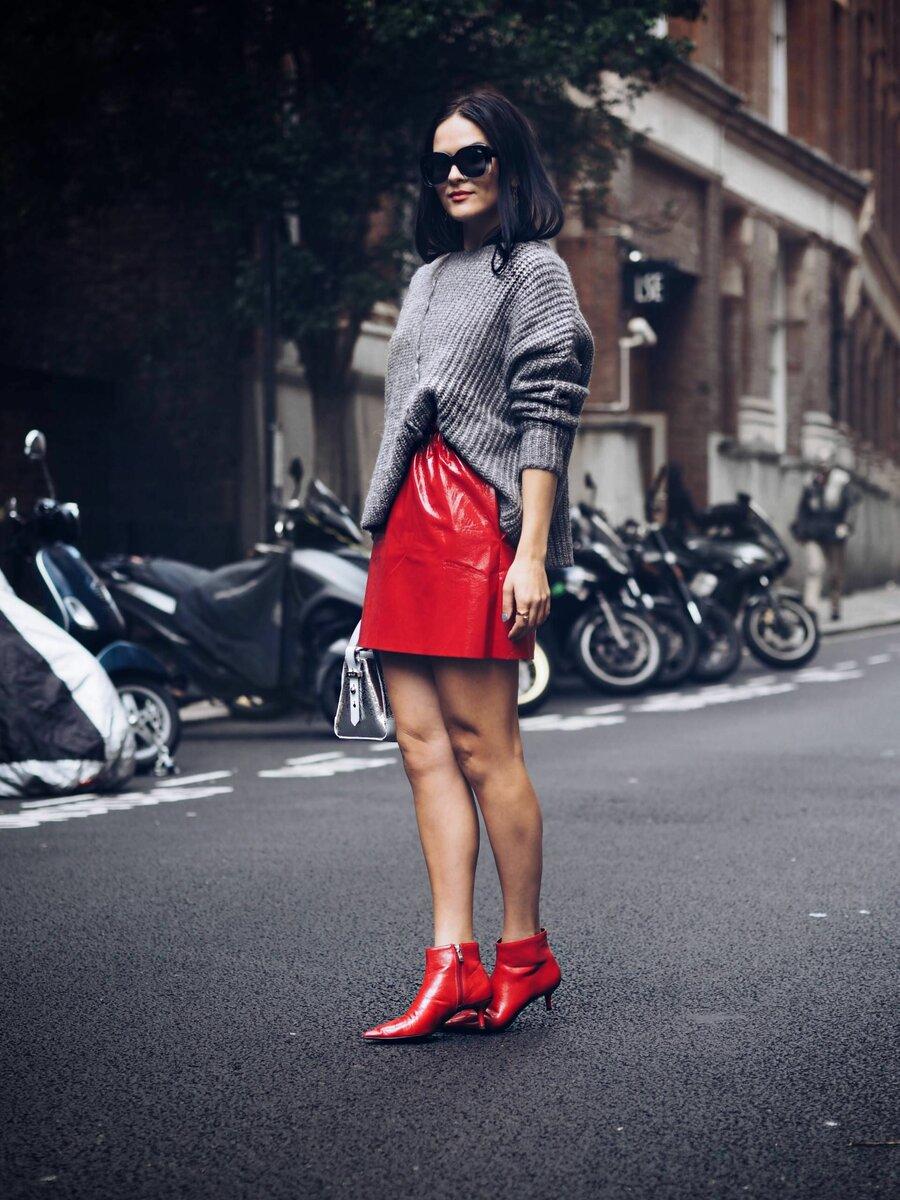 С чем сочетать стильную кожаную юбку