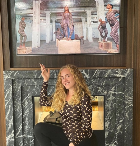 """В стиле Бейонсе: Адель повторила образ """"Королевы Би"""" с ее нового альбома Звезды,Новости о звездах"""