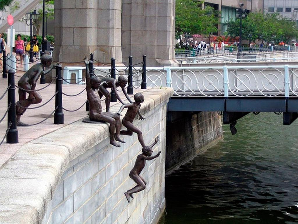 Памятник Люди у реки