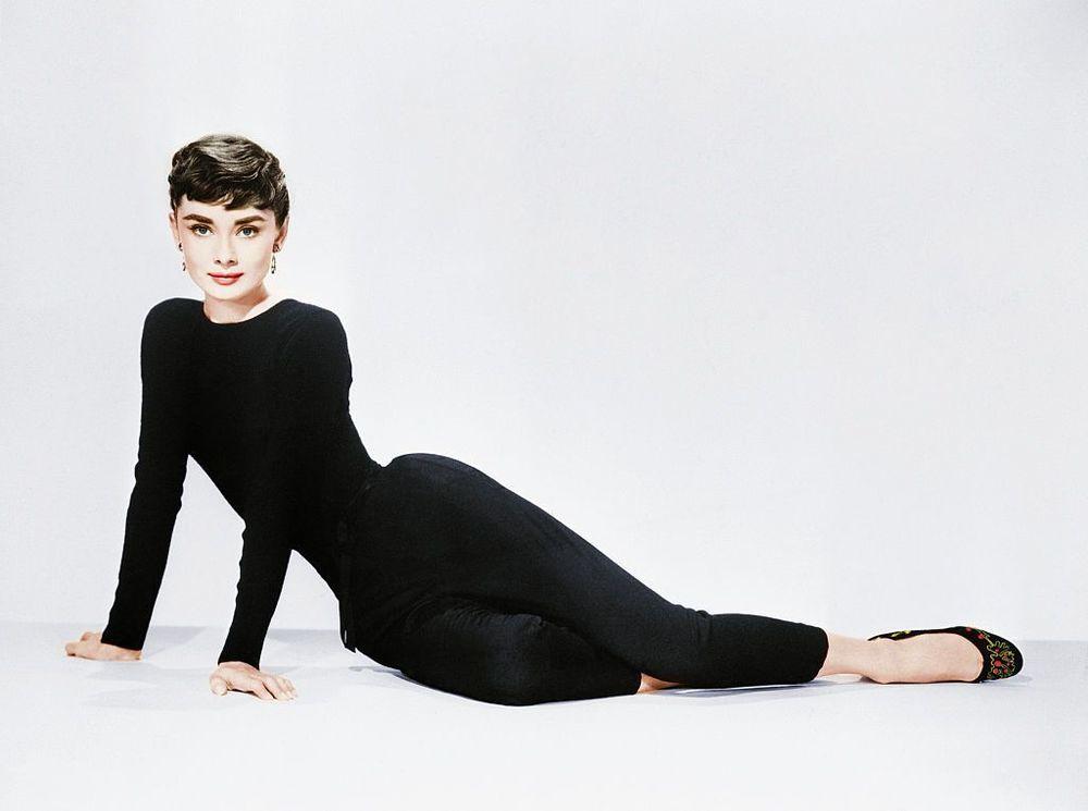 Эти модные балетки! Как Одри Хепбёрн попросила создать для ее 41 размера ноги аккуратные туфельки