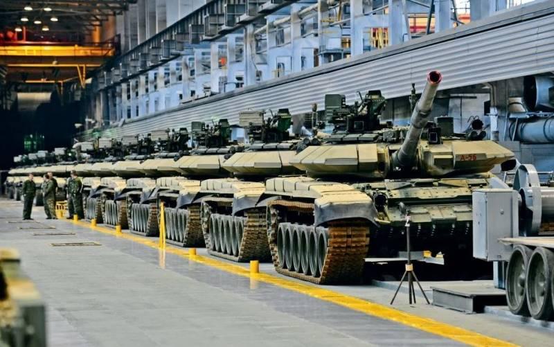 Насколько сильна огневая мощь танков в строевых частях российской армии? оружие,танки